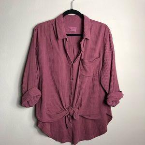 Universal Threads • Linen style button up shirt
